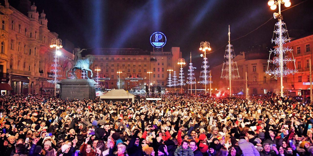 Dočekana Nova godina na Trgu bana Jelačića uz Prljavce i Nove fosile